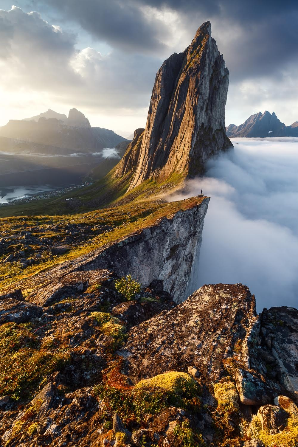 Photographer chases the sun across the world to capture Golden Hour in seven continents
