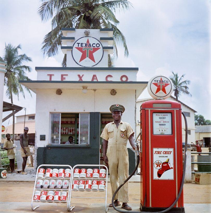 Togoland (Togo), 1958 – Attendant at Texaco station © 2021 Todd Webb Archive