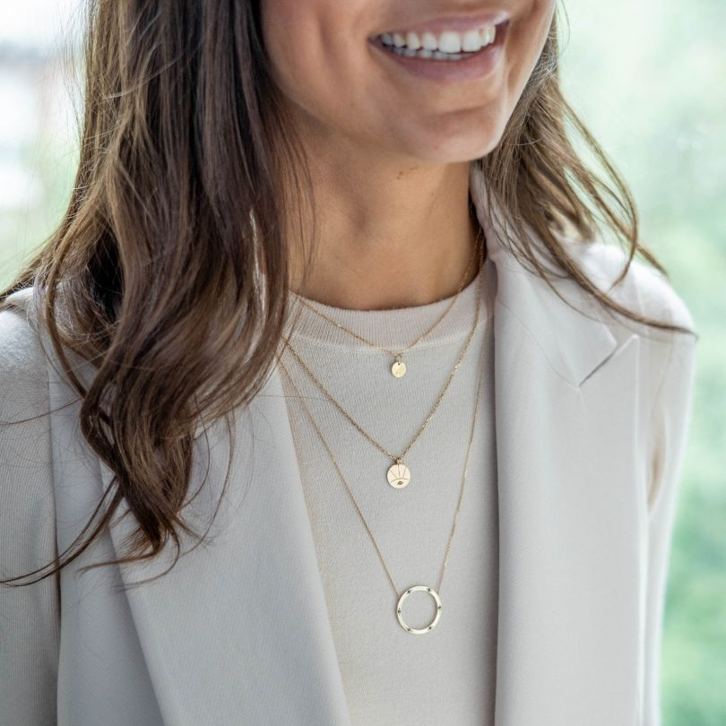 Third Eye necklace by [Adriana Chede](https://www.adrianachede.com/collections/necklace/products/the-eye-necklace-1). Priced at £335