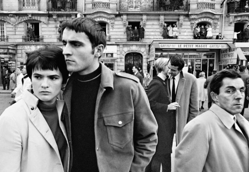Le Petit Magot, November 11, Paris, 1968 © William Klein