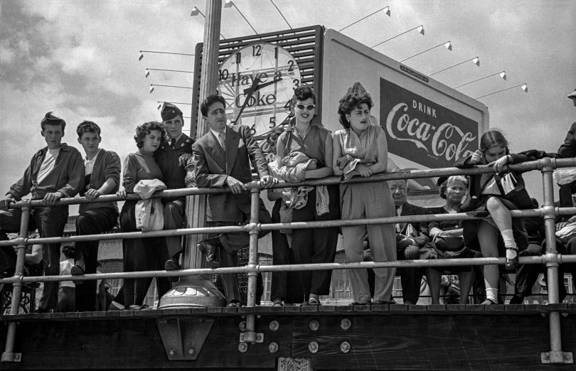 Coke Sign on the Boardwalk, 1949 © Estate of Harold Feinstein All rights reserved