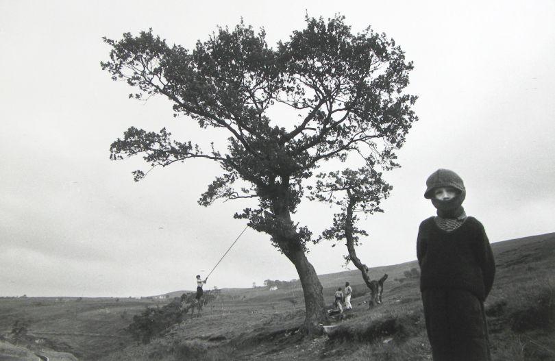 Wales, 1965 © Bruce Davidson / Magnum Photos courtesy Howard Greenberg Gallery / Huxley Parlour Gallery