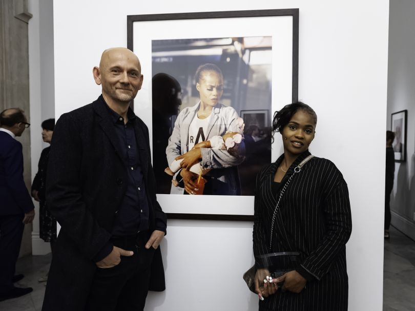 Second prize winner, Enda Bowe with sitter Cybil McAddy. Photograph by Jorge Herrera