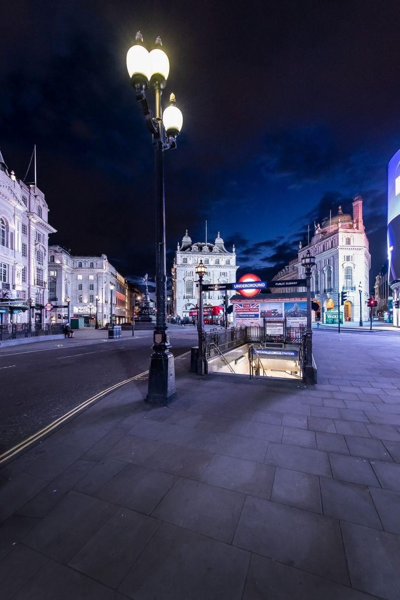 Piccadilly Circus, 2 April 2020 © Jan Enkelmann