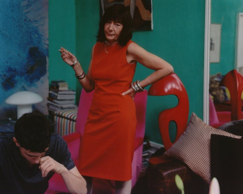 Tina Barney - The Red Sheath, 2001 © Tina Barney, Courtesy of Paul Kasmin Gallery