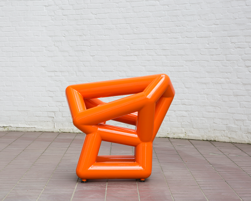 Richard Deacon, 2015, Small Time, Powder- coated mild steel, 73 x 55 x 80 cm, Courtesey of Richard Deacon and Middelheim Museum