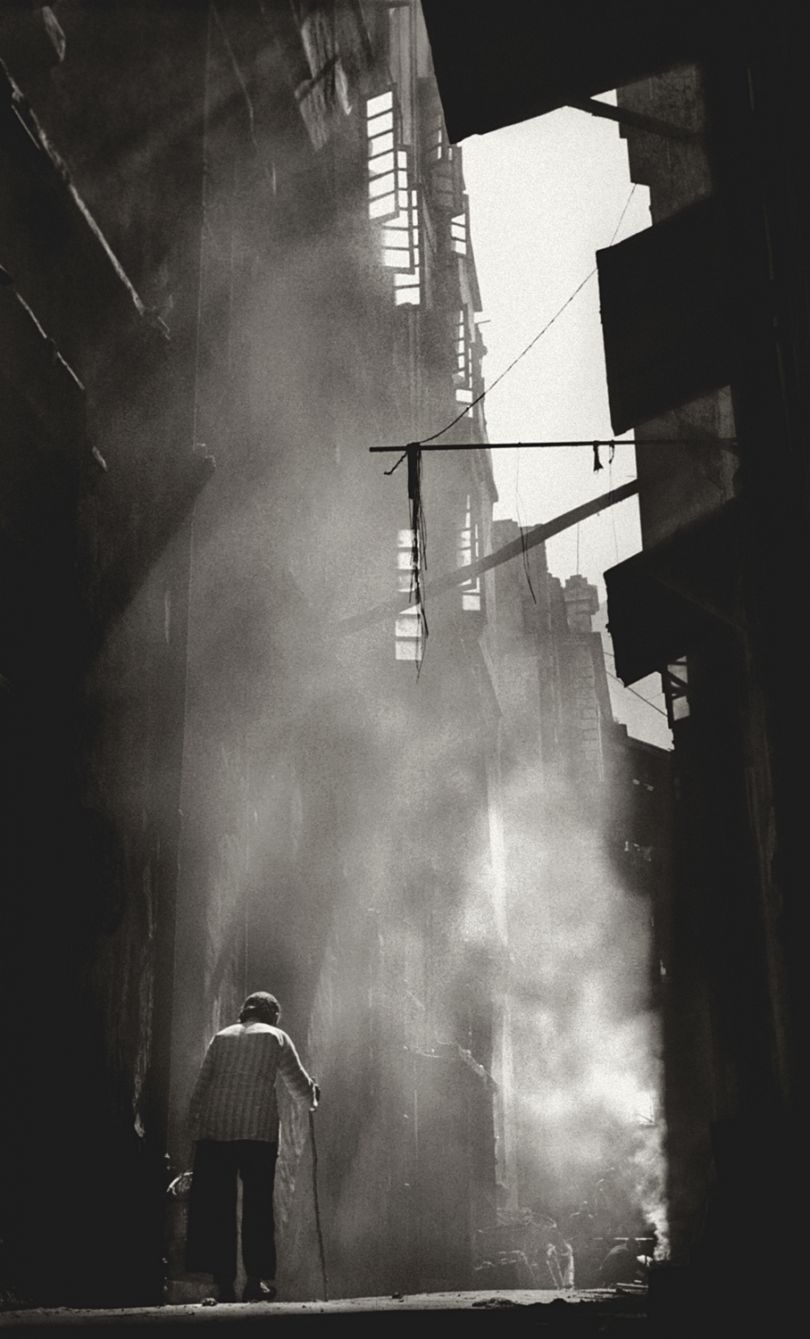 Fan Ho 'Mystic Alley(秘巷)' Hong Kong 1950s and 60s, courtesy of Blue Lotus Gallery
