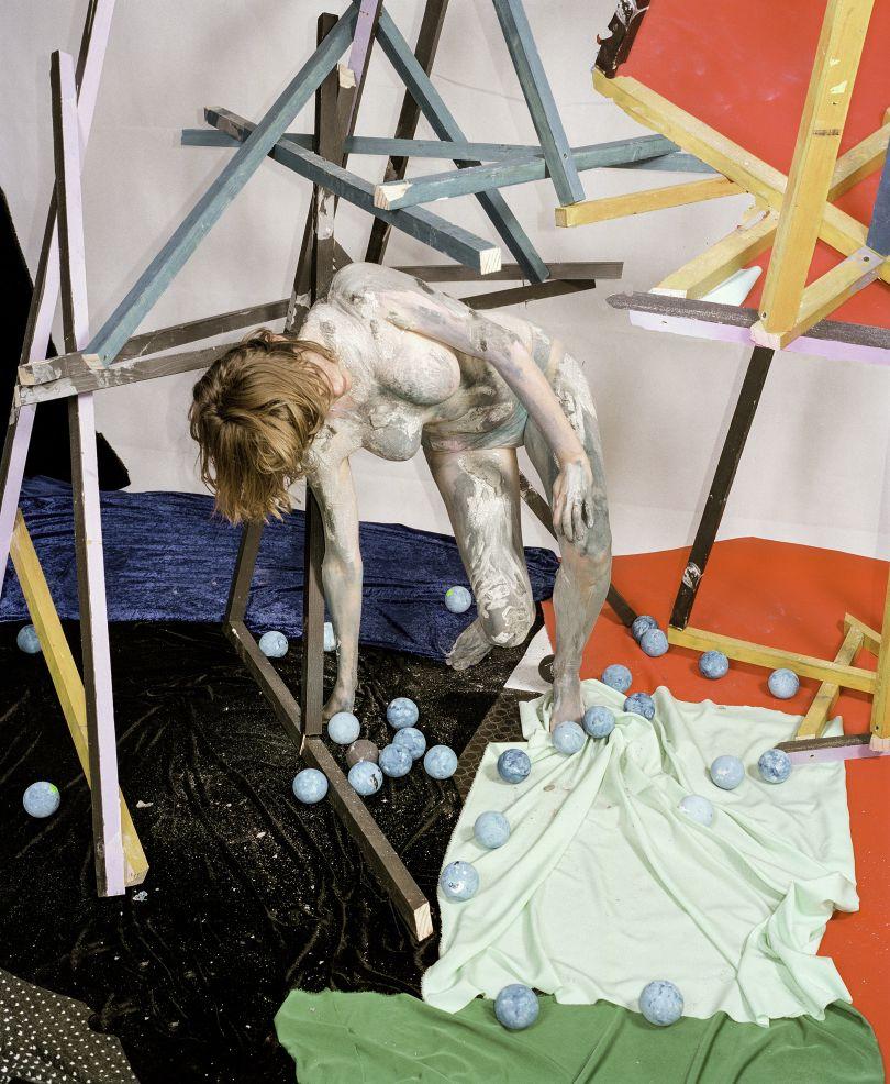 Sculpture Figure study (Mignonne), 2016 © Nico Krijno courtesy Beetles + Huxley