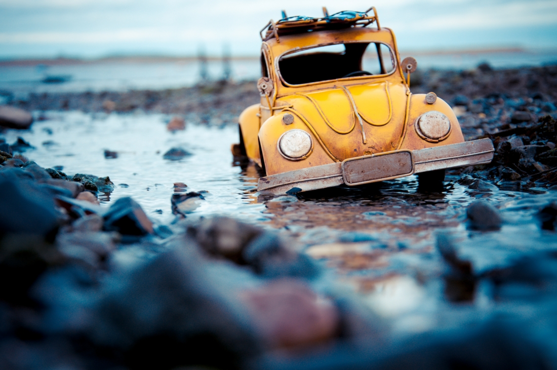 Travelling Cars Photographer Goes On Exciting Mini Adventures With