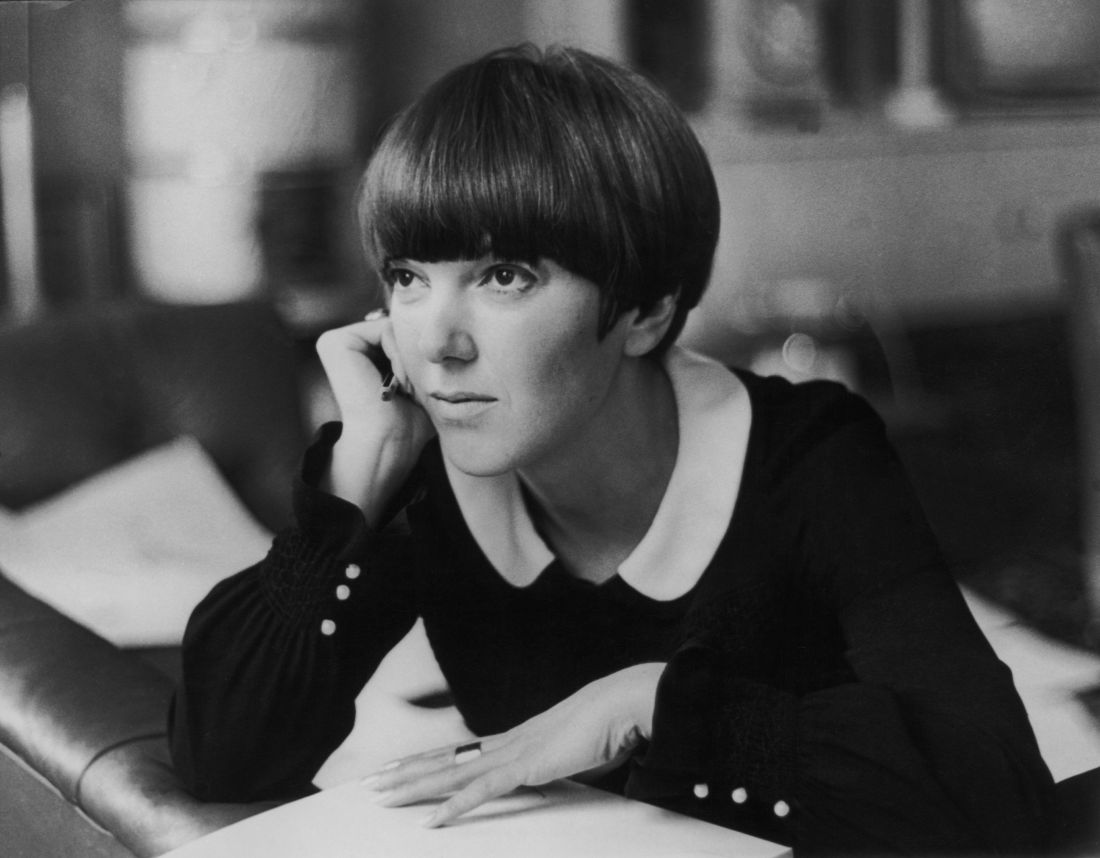 Mary Quant at her apartment in Draycott Place, Chelsea, London, c.1965 © Keystone-France/Gamma-Keystone/Getty Images
