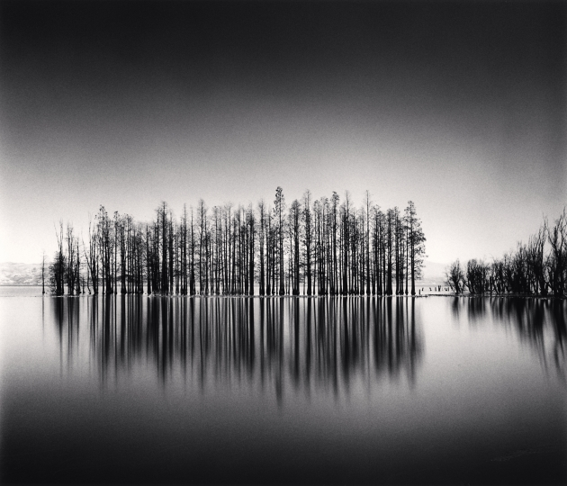 All images courtesy of Michael Kenna and the Blue Lotus Gallery