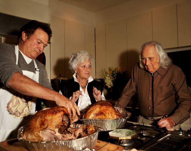 Gillian Laub, Dad carving the turkey, 2004. © Gillian Laub
