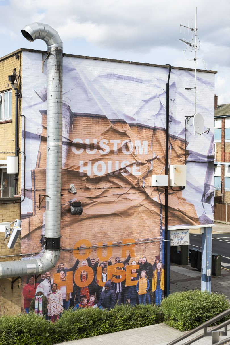 Custom House Is Our House, 2019, Jessie Brennan (Part of the year-long series Making Space) Commissioned by the Royal Docks Team, a joint initiative by the Mayor of London and the Mayor of Newham. Produced and curated by UP Projects.  Photo by Thierry Bal