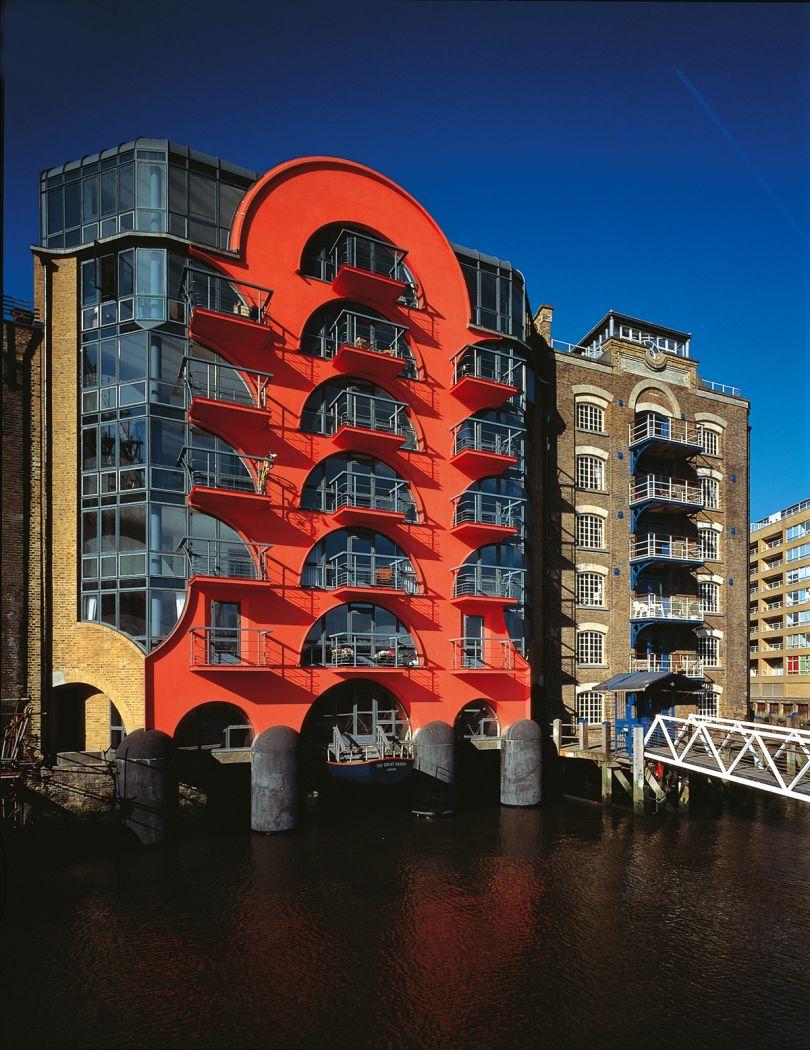 CZWG Architects, China Wharf, London, 1988. Credit: John and Jo Peck