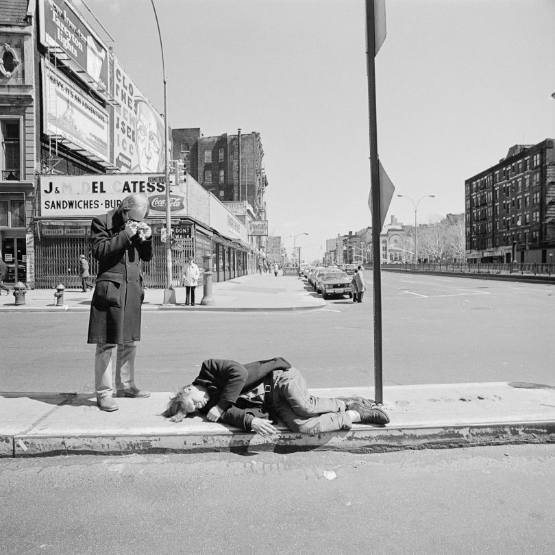 Photographing on the Bowery, NY, April 1977 © Meryl Meisler | All images courtesy of Meryl Meisler, The Storefront Project & Steven Kasher Gallery