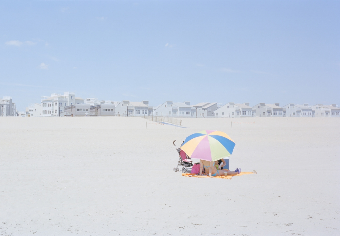 In His Large Format Photographic Series Flotsam Ward Roberts Portrays Abstracted Sunbathers Upon New York S Canicular Far Rockaway Beach