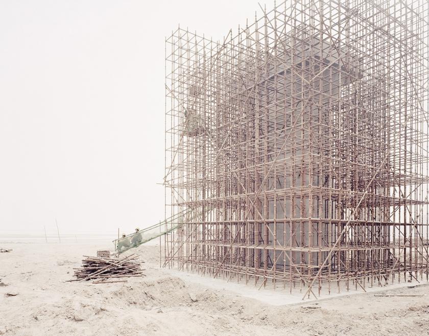 Workers building bridge piers for a high-speed railway, Shaanxi, 2011 © Zhang Kechun