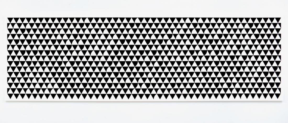 Bridget Riley Cascando 2015 Acrylic on polyester 55 1/4 x 180 7/8 inches 140.5 x 459.2 cm Bridget Riley © Bridget Riley 2017, all rights reserved. Courtesy David Zwirner, New York/London