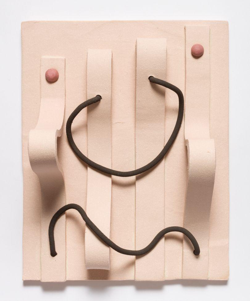 Jonathan Baldock, Maske XVII, 2019, ceramic, 31 x 35 cm. Copyright Jonathan Baldock. Courtesy of the artist and Stephen Friedman Gallery, London