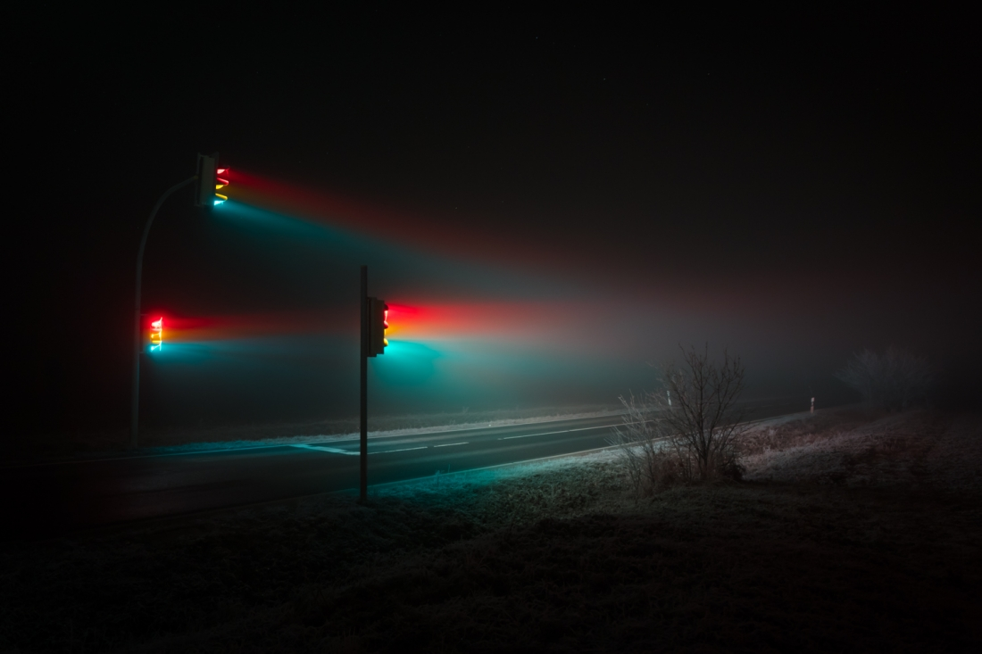 Traffic Lights: Lucas Zimmermann captures red, amber & green in dense fog  at night