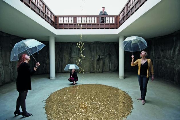 Vadim Zakharov, Danaë, 2013, installation view, Russian Pavilion, Giardini, 55th Venice Biennale, 2013. Picture credit: Daniel Zakharov / Photography & Art, www.danielzakharov.de / Courtesy of Vadim Zakharov