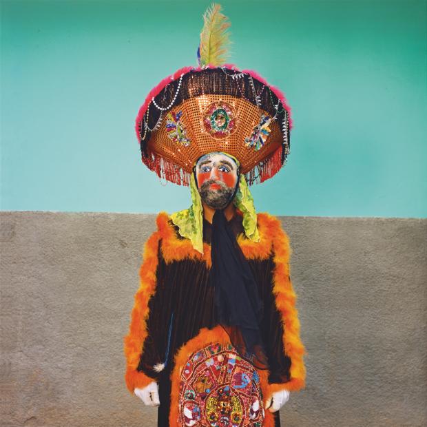 Chinelo with Wire Mesh Mask, Chilapa, 2016 © Phyllis Galembo: Mexico Masks & Rituals