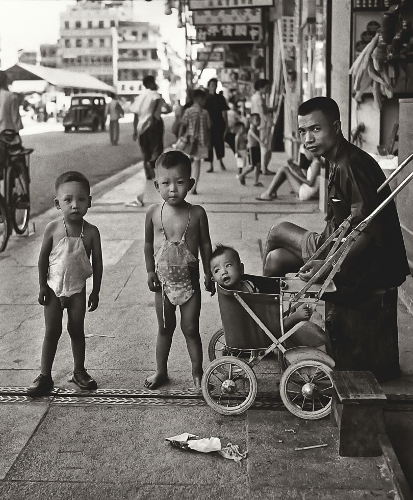 Fan Ho 'Waiting for Mom(媽媽終會回來)' Hong Kong 1950s and 60s, courtesy of Blue Lotus Gallery