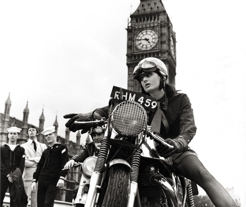 Gone by times, Renee at Westminster Bridge © Frank Habicht 2018