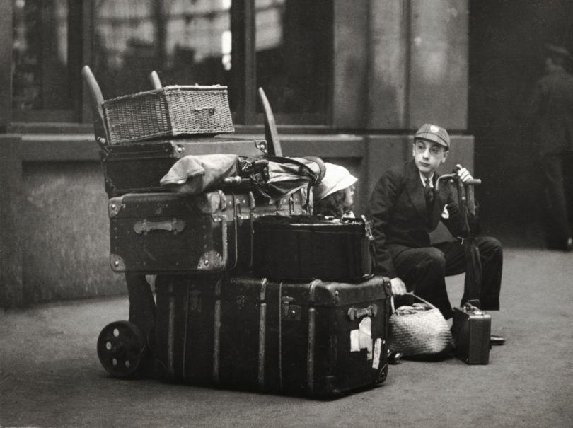 School boy with luggage, Paddington Station, London, 1933, © Emil Otto Hoppe