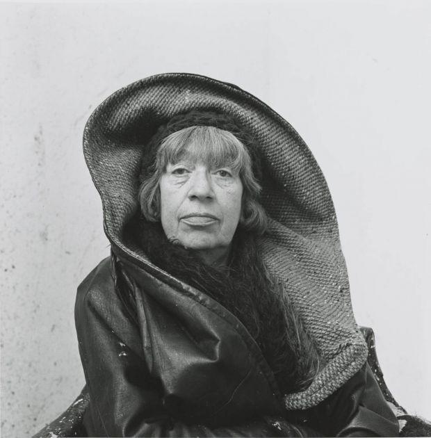 Photograph by Irving Penn Lee Krasner, Springs, NY, 1972 © The Irving Penn Foundation.