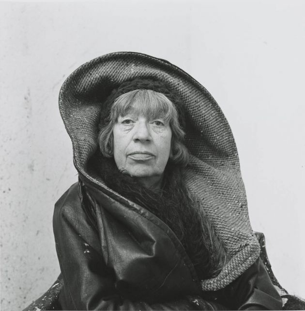 Photograph by Irving Penn Lee Krasner, Springs, NY, 1972 © The Irving Penn Foundation.