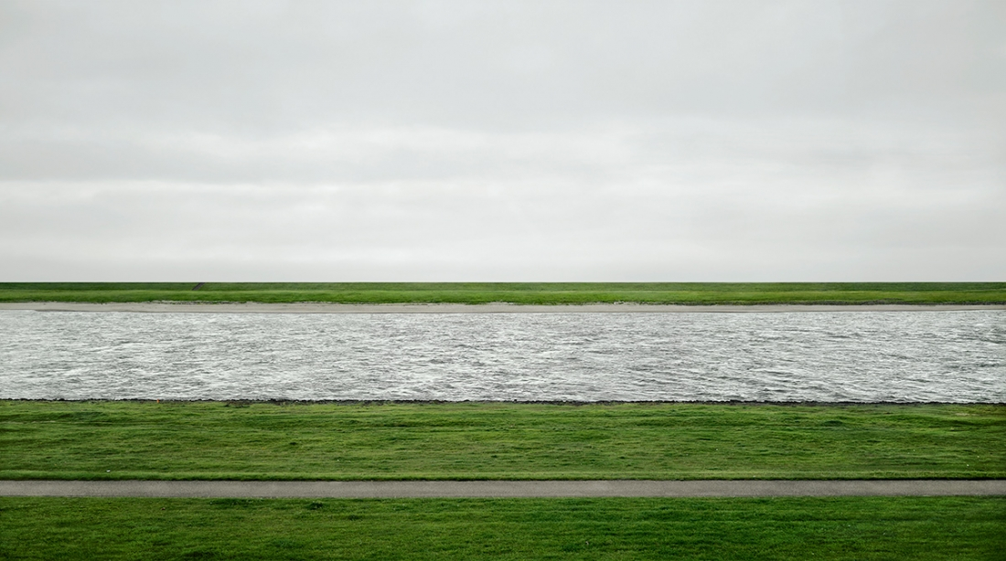 Andreas Gursky, Rhine II, 1999/2015  Inkjet-Print	237.8 x 407.8 x 6.2 cm © Andreas Gursky/DACS, 2017. Courtesy: Sprüth Magers