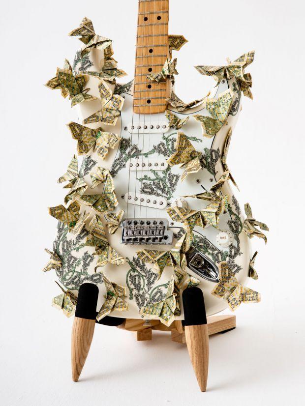 Guitar by Bran Symondson. Image © Louise Haywood-Schiefer