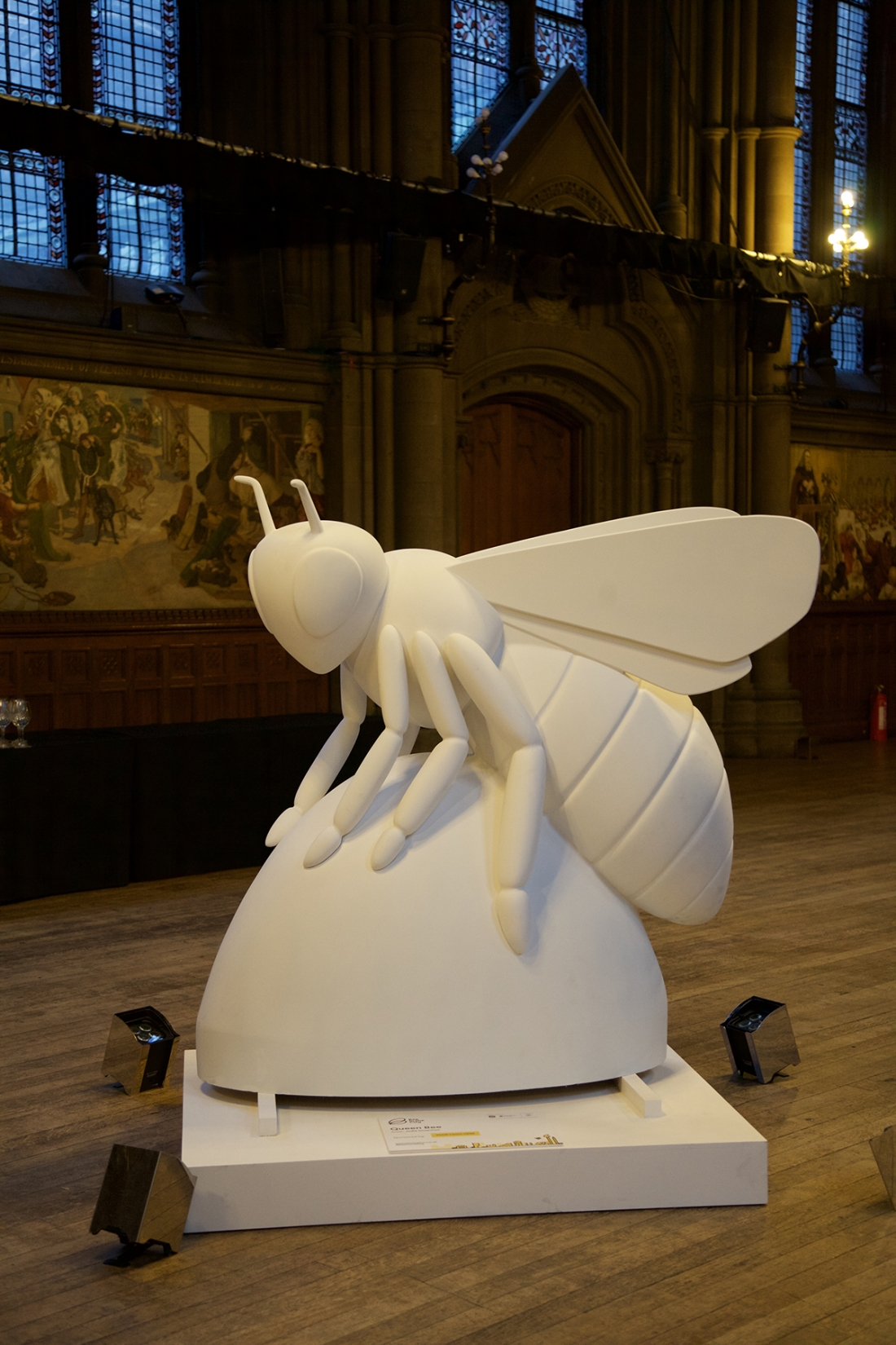Bee In The City Manchester Set To Welcome Eighty Giant