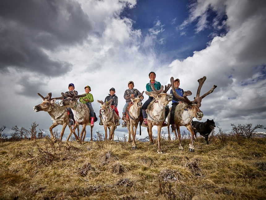 Reindeer Farmer Kids - Peter Voss: Reindeer farmer kids in Mongolia. (Open Smile)