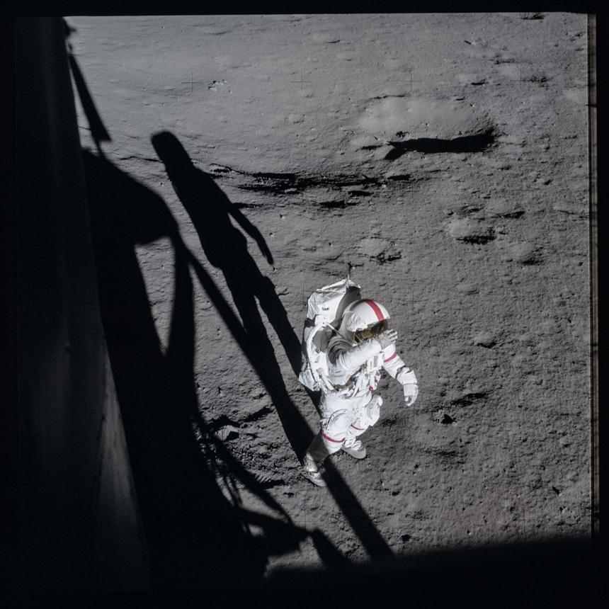 Apollo Vii Xvii Incredible Photographs Taken By Nasa S