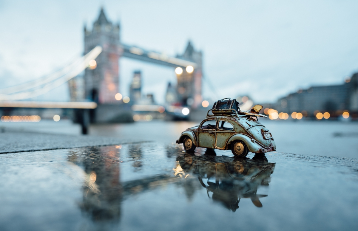 Travelling Cars Photographer Goes On Exciting Mini