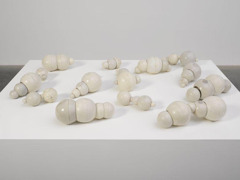 Damián Ortega, Copulation 2017. Fired glazed high temperatura glazed clay. Overall dimensions variable. © Damián Ortega. Photo © White Cube (George Darrell)