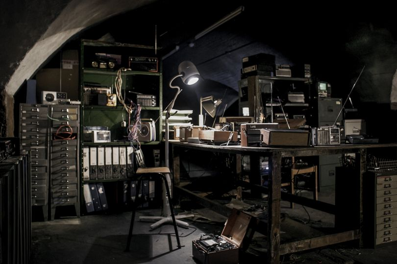 Requiem for 114 Radios by Iain Forsyth and Jane Pollard. Photo Credit Toby Farrow