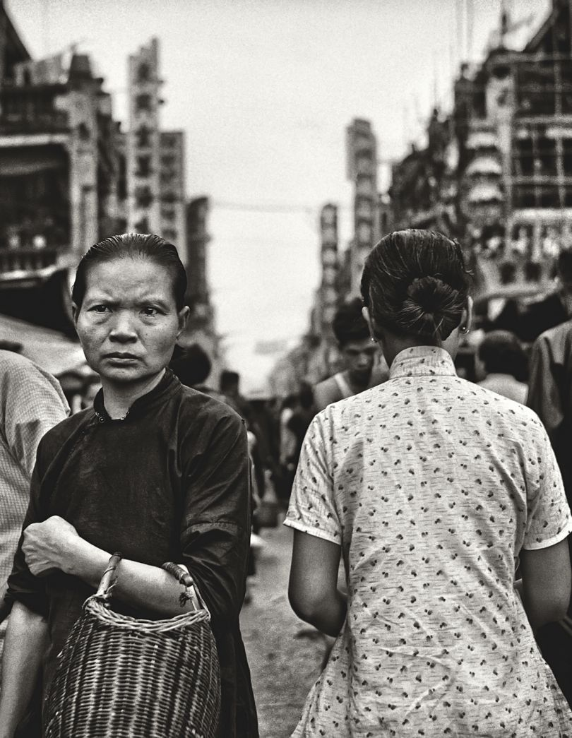 Fan Ho 'Opposites(擦肩)' Hong Kong 1950s and 60s, courtesy of Blue Lotus Gallery