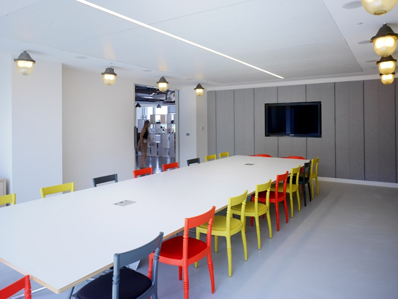 Glue isobar 39 s london home is an innovative open plan and for Innovation agency london