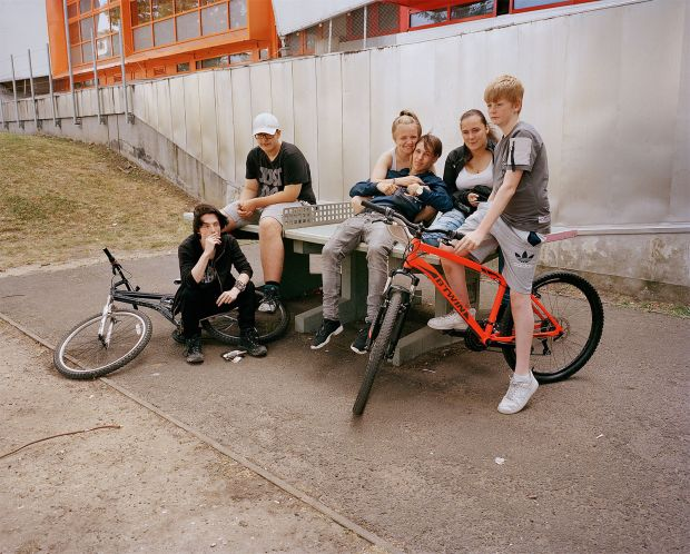 Ellie (third left) with Brandon, Luke, Richard, Tayler and Killian outside The Link, a youth and community centre in the arches under Harrow Manorway. 2018 Photography © Tara Darby