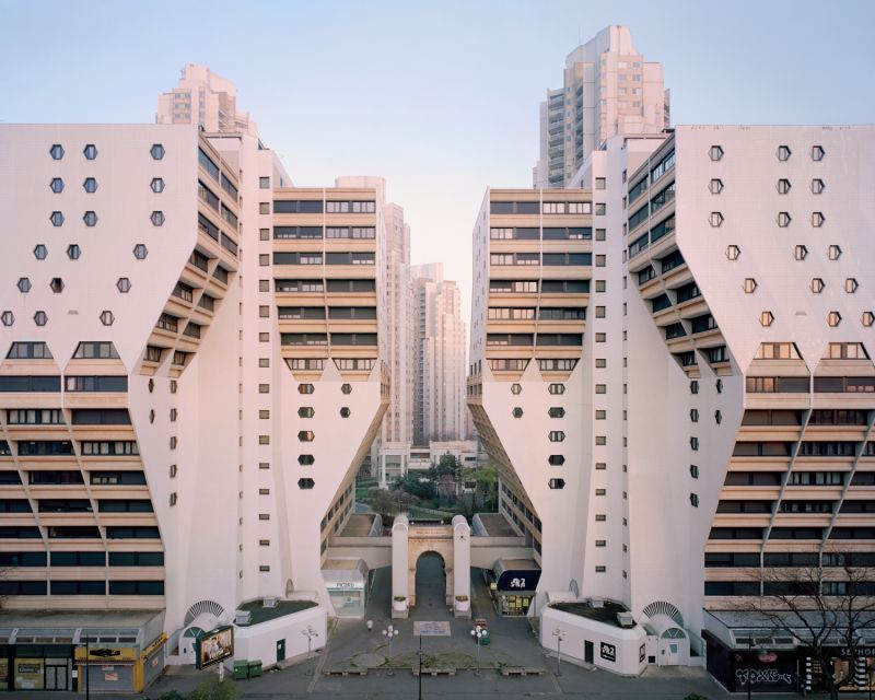 Neglected Utopia: Photographer explores the forgotten modernist estates of Paris