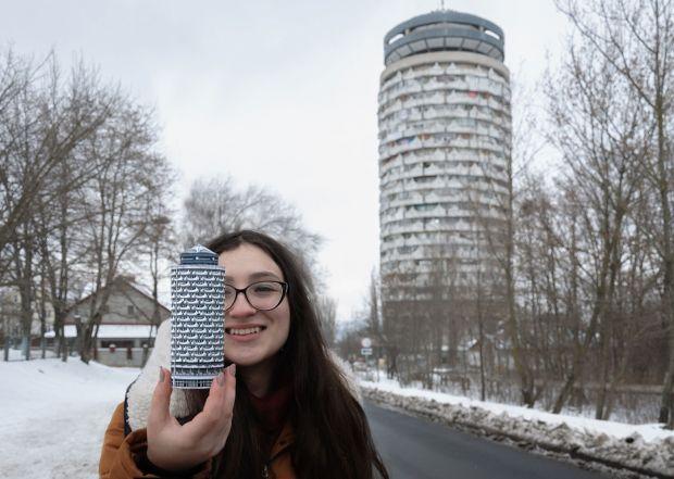 "Chisinau. ""Romanița"" Collective Housing Tower. Photo by Mihail Kalarashan for Zupagrafika. 2017. ©Zupagrafika"