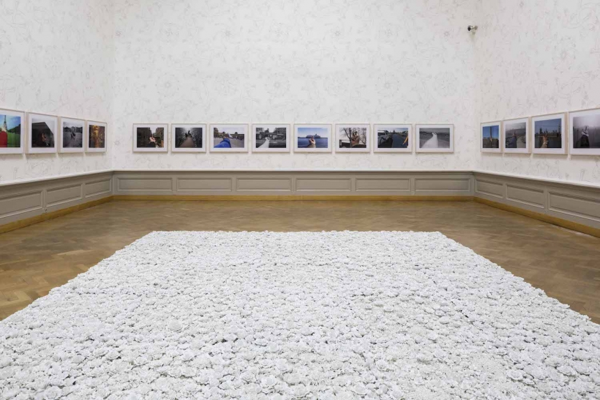 Blossom (In Bloom), 2015, 40 panels, porcelain, 80 x 80 x 5 cm each © Studio Ai Weiwei and Study of Perspective, 1995 - 2011, 40 b / w photos and color © Studio Ai Weiwei