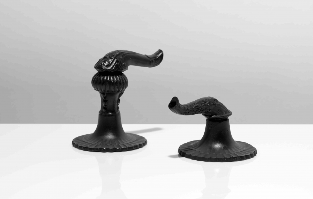 Matt Smith, A 31 Note Lovesong, detail, 2016, black porcelain and black Parianware, photography Sylvain Deleu (5)