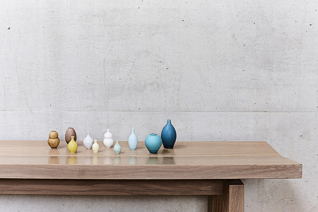 Miniature pots by Yuta Segawa. Photography by Joanna Henderson.