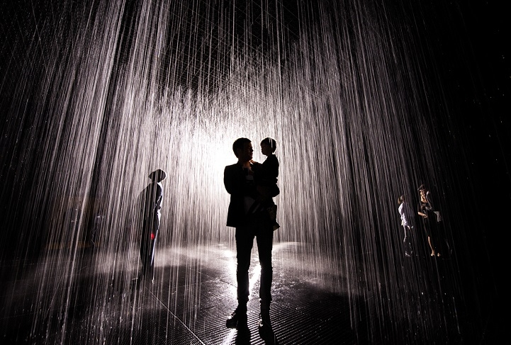 Rain Room: Art installation that lets you experience rain indoors ...