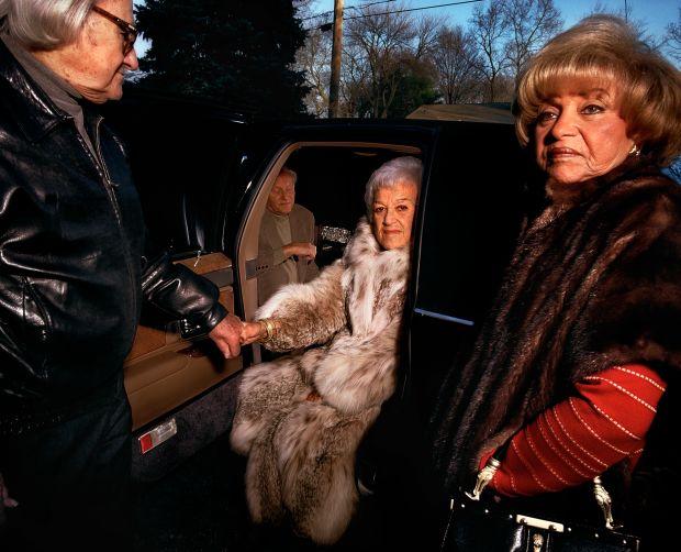 Gillian Laub, Grandpa helping Grandma out, 1999. © Gillian Laub