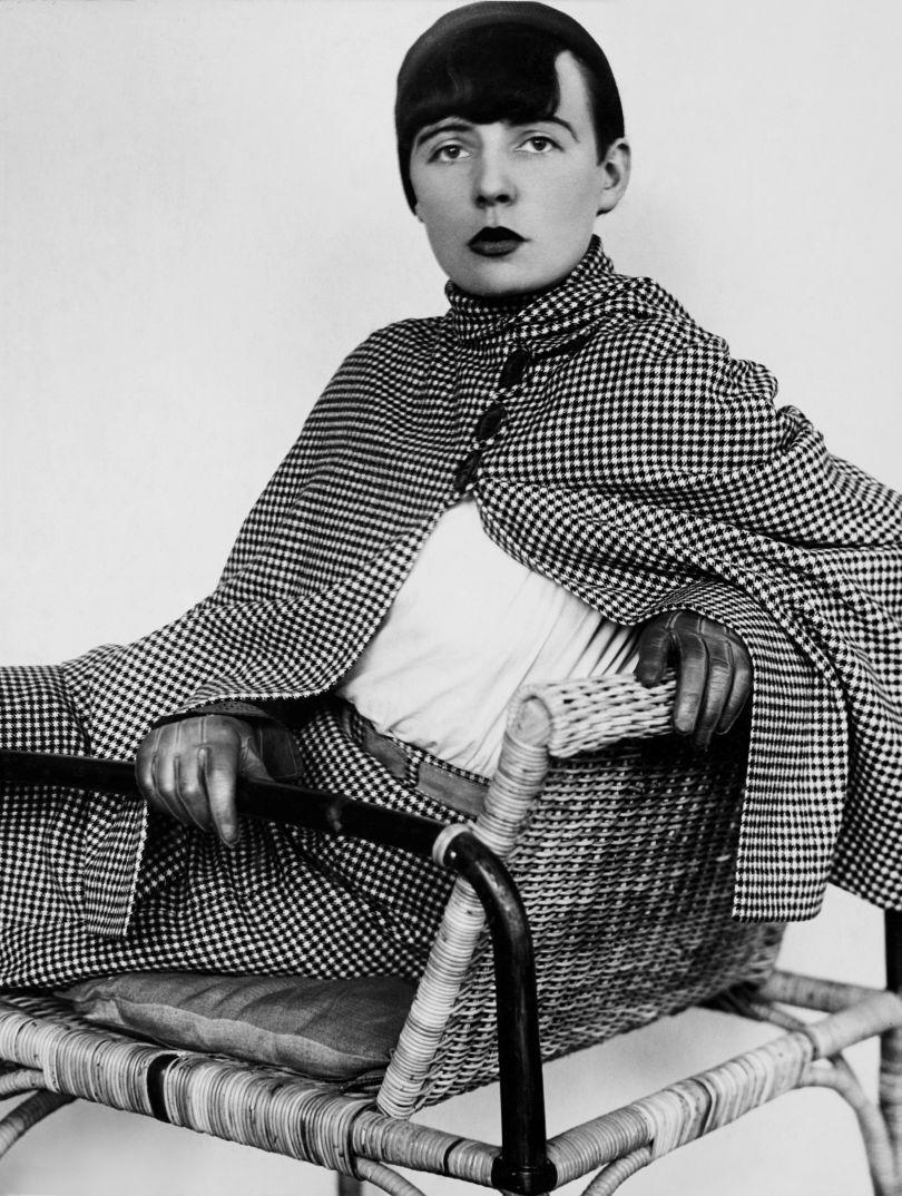 Annelise Kretschmer: Elisabeth Kadow, portrait en face, c. 1929. Photo © Museum Folkwang Essen/ARTOTHEK